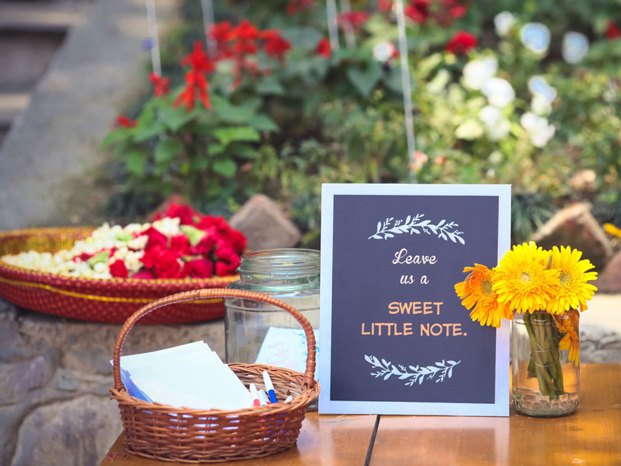 Leave Some Love Message Ideas And Favours From Guests For The