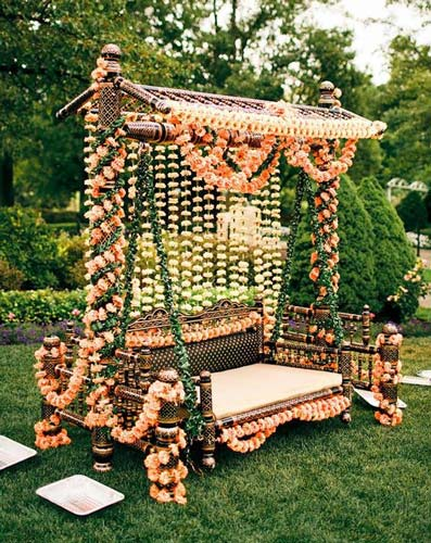 Traditional Swing For Living Room: Bridal Bed To The Mehndi Swing